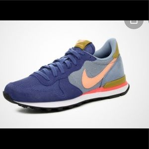 Nike Internationalist women's sneaker